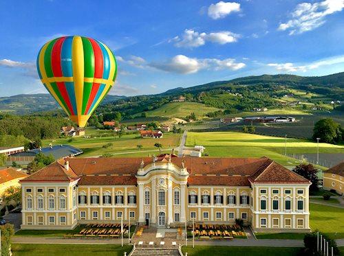 Apfelwirt_ueber_Schloss_ballonfahren