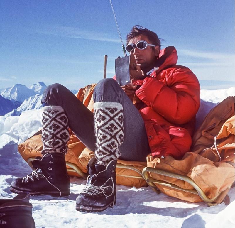 Andrzej Zawada links am Noshaq 1973 und rechts am Grand Pilier d'Angle im Winter 1968 © Fundacja Himalaizmu Polskiego im. Andrzeja Zawady