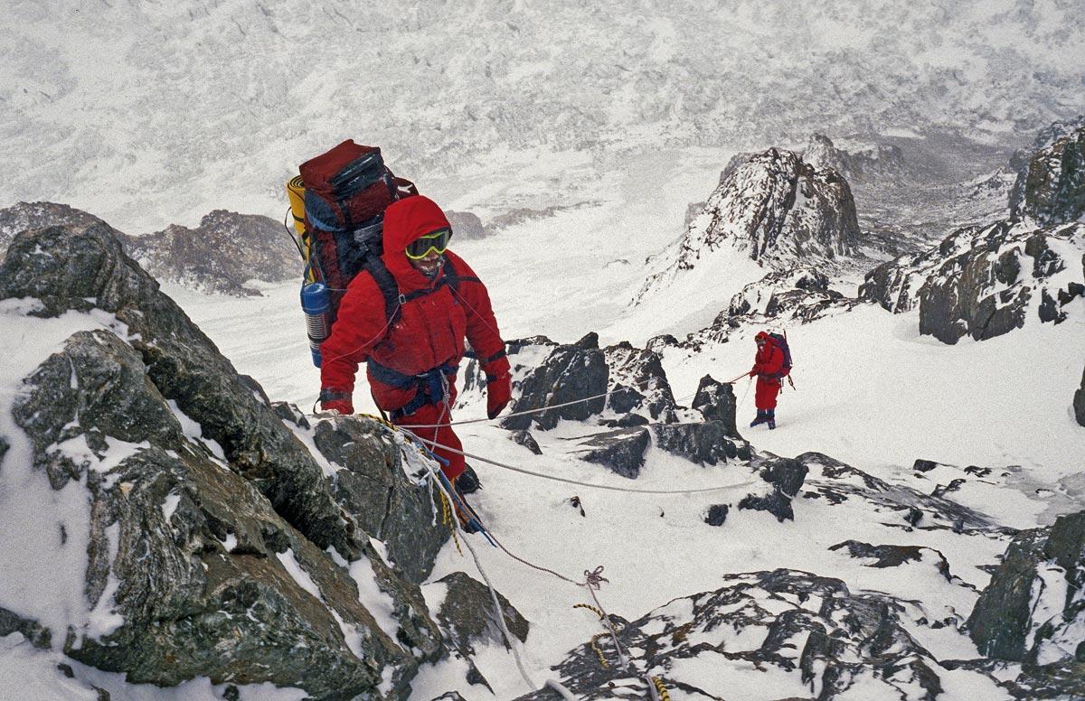 K2 Maciej-Pawlikowski-i-Pawel-Kubalski-na-zebrze-Abruzzow-fot.-Fundacja-Himalaizmu-Polskiego-im.-Andrzeja-Zawady.